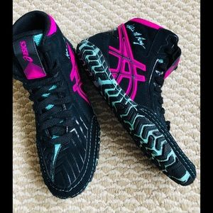 ASICS Aggressor 3 LE Adeline Gray wrestling shoe